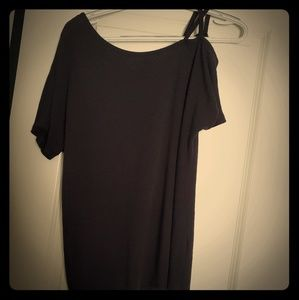One Sided Cold Shoulder Lose Fitting Basic Tee Top